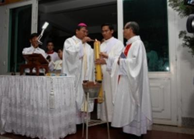 Thánh lễ vọng Phục Sinh tại Nhà thờ Chính tòa Banmêthuột