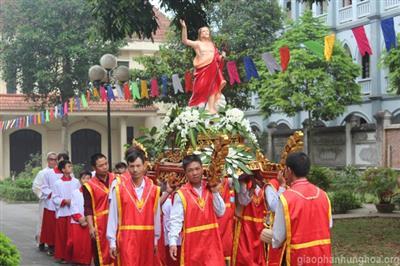 Thánh Lễ Phục Sinh Tại Nhà Thờ Chính Tòa Giáo Phận Hưng Hóa