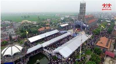Thánh lễ Truyền Dầu tại Sa Châu