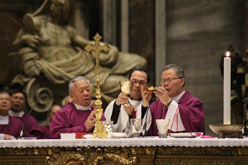 Thánh lễ đầu tiên của Hội Đồng Giám Mục Việt Nam tại Đền Thờ Thánh Phêrô