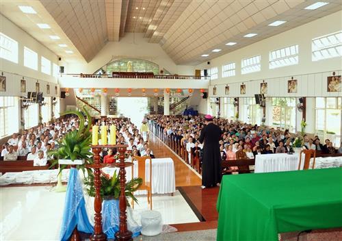 Giáo phận Ban Mê Thuột: Họp mặt Ông Bà Cố Giáo hạt Đăkmil và Gia Nghĩa tại nhà thờ Vinh Hương