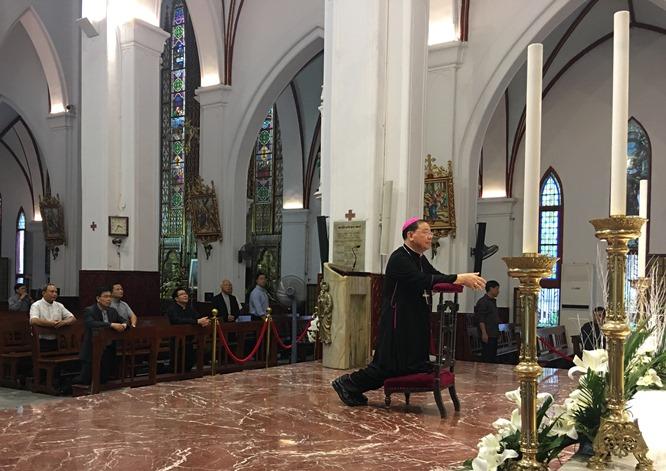 Đức Tổng giám mục Giuse tân cử chào thăm Toà Tổng giám mục Hà Nội