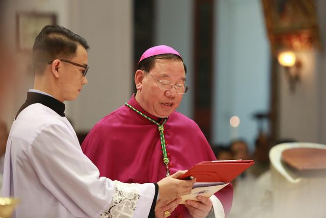 Đức Tân Tổng Giám Mục Giuse Vũ Văn Thiên tuyên xưng đức tin
