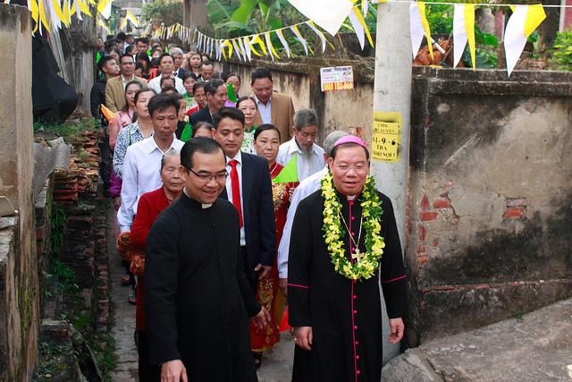 Đức Tổng Giám mục Giuse đón Giáng sinh cùng giáo họ Thao Nội
