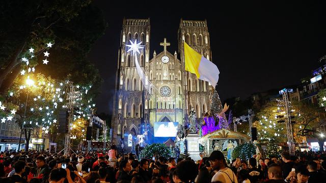 Video - Thánh lễ Đêm Giáng sinh 2018 tại nhà thờ Chính tòa Hà Nội