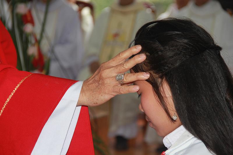 Tuần Chầu giáo xứ Vĩnh Giang: 89 em lãnh nhận ấn tín Chúa Thánh Thần