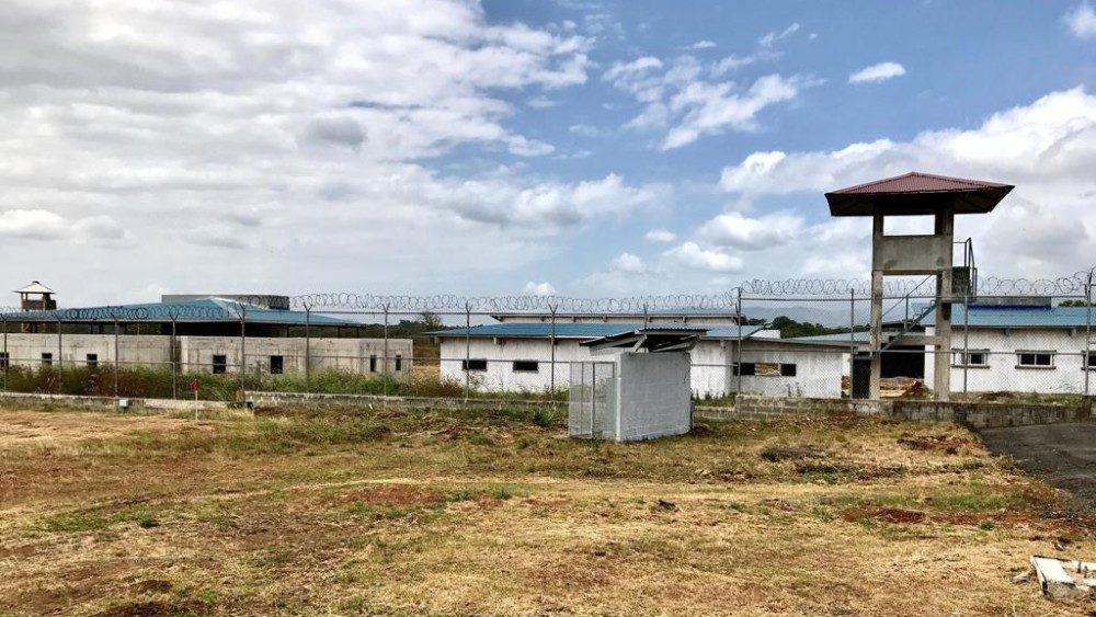 ĐTC cử hành nghi thức thống hối cho các tù nhân trẻ