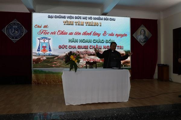 Đức Cha Lạng Sơn-Cao Bằng huấn đức tại ĐCV Bùi Chu