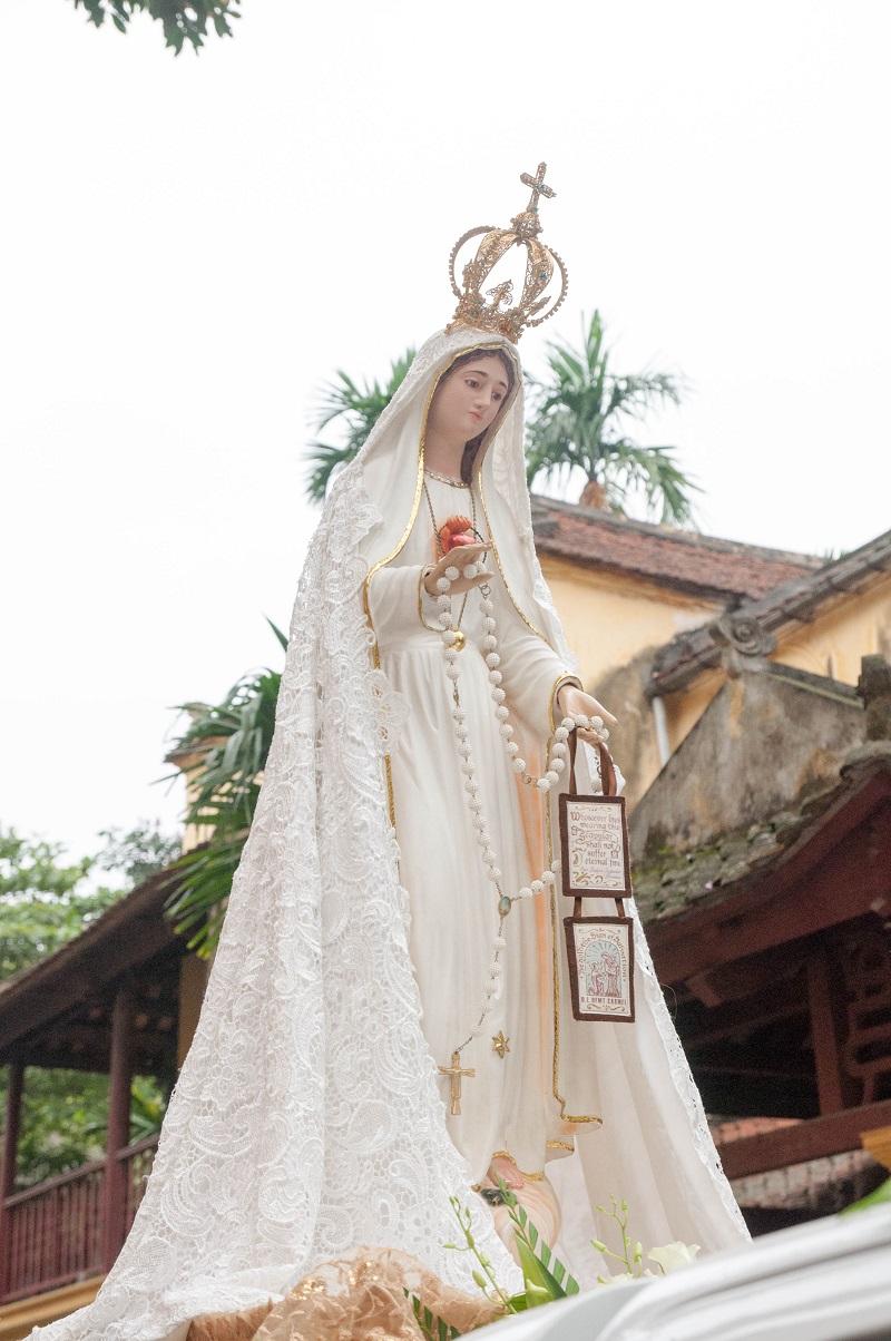 Giáo xứ Thái Hà đón tượng Đức Mẹ Fatima Thánh Du