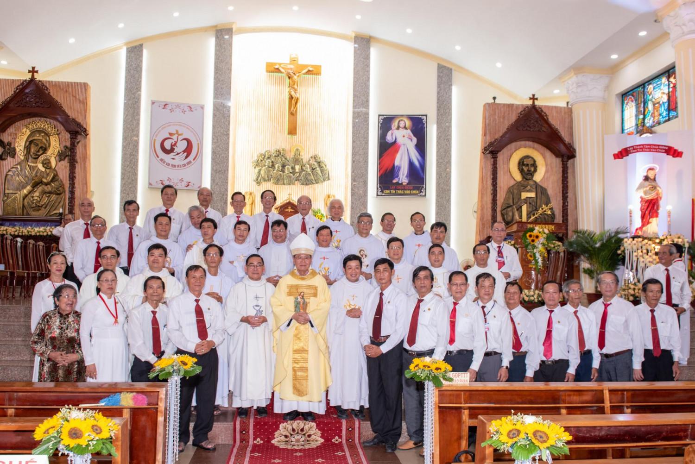 Gia đình Phạt tạ Thánh Tâm TGP mừng bổn mạng