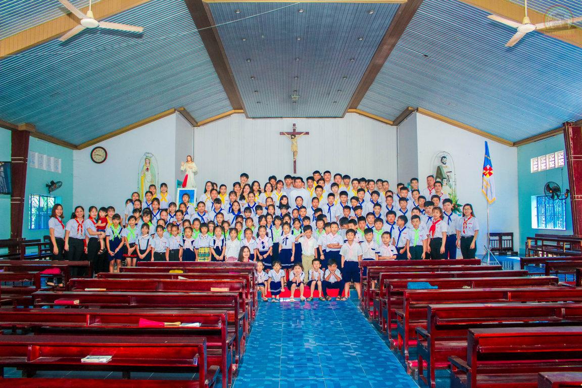 Đoàn Thiếu Nhi Thánh Thể Giáo Xứ Kiên Long Mừng Bổn Mạng Lễ Mình Và Máu Thánh Chúa Kitô