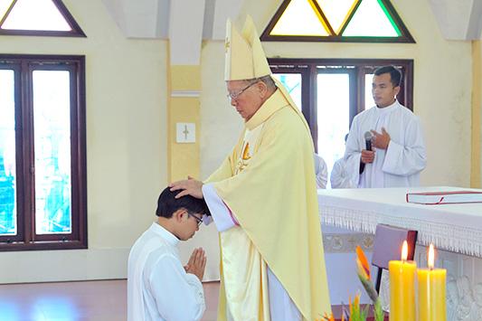 Gp. Đà Lạt :Thánh Lễ Truyền Chức Phó Tế Do Tại Trung Tâm Mục, GP Đalat
