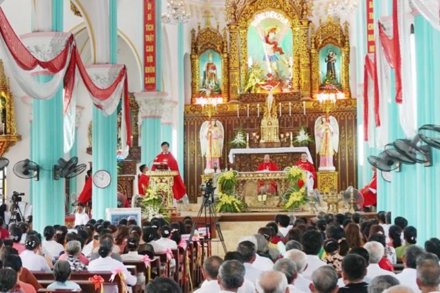 Giáo họ An Lộc, giáo xứ Quần Phương: Thánh lễ Chính tiệc tuần Chầu