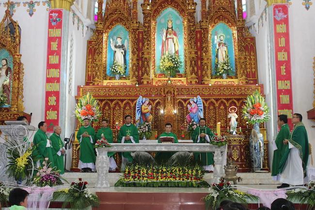 Giáo họ Xuân Phương, giáo xứ Xuân Thuỷ Xuân Phương được vinh dự tổ chức tuần chầu