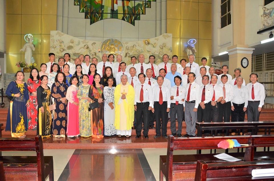 Giáo xứ Thăng Long: Gia đình PTTT mừng bổn mạng