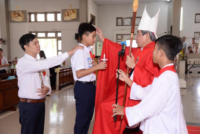 Giáo xứ Long Bình: Hồng ân Thánh Thần