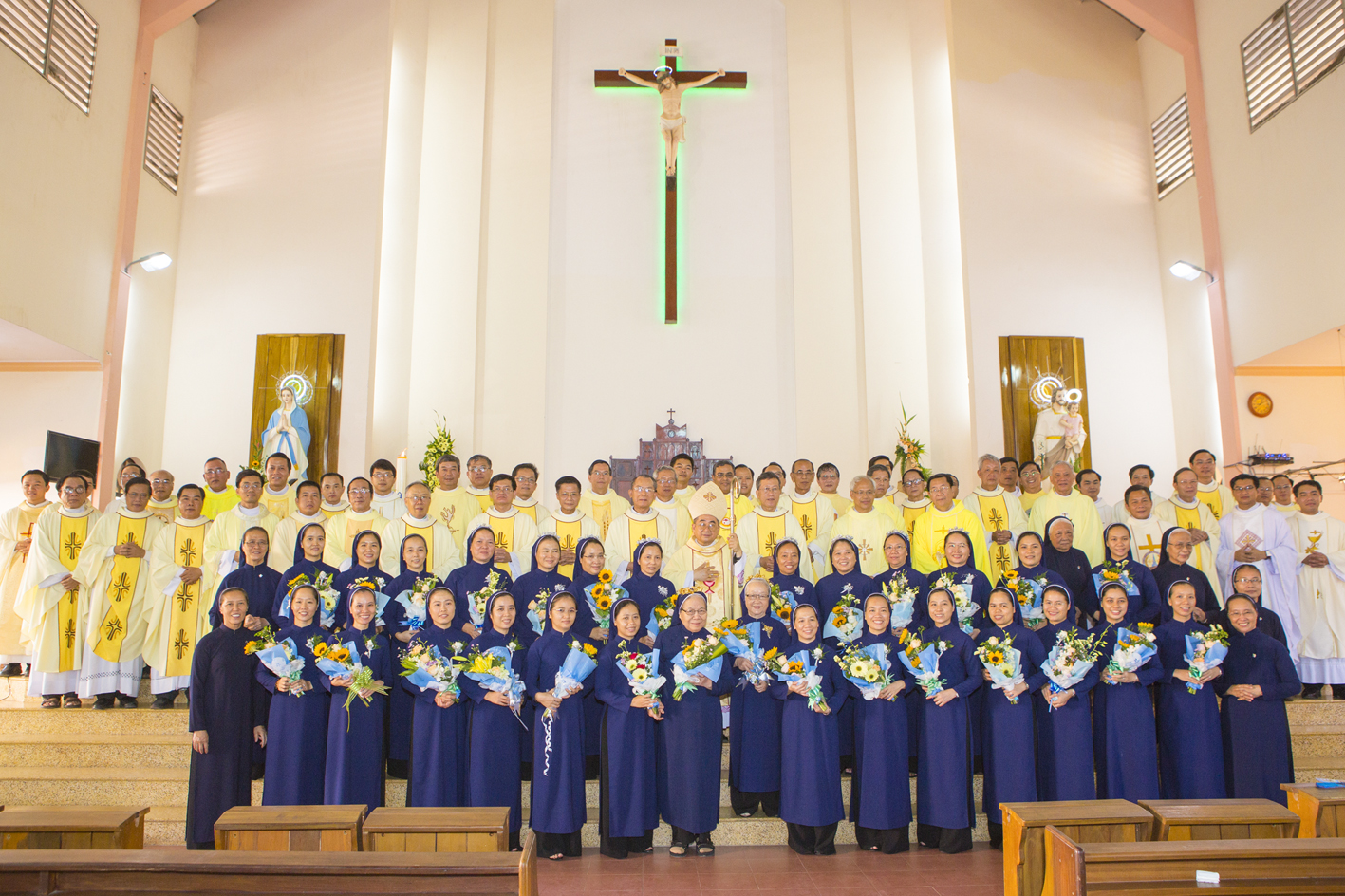 Dòng Khiết Tâm Đức Mẹ Nha Trang: Lễ Khấn Trọn Đời, Kim Khánh và Ngân Khánh khấn dòng 2019