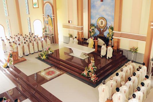 Cung Hiến Và Khánh Thành Nhà Thờ Giáo Xứ Thiện Lộc, Giáo Hạt Bảo Lộc, Giáo Phận Dalat.