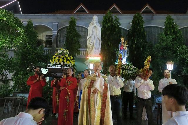 Giáo xứ Phủ Lý: Mừng kính Đức Mẹ Mân Côi