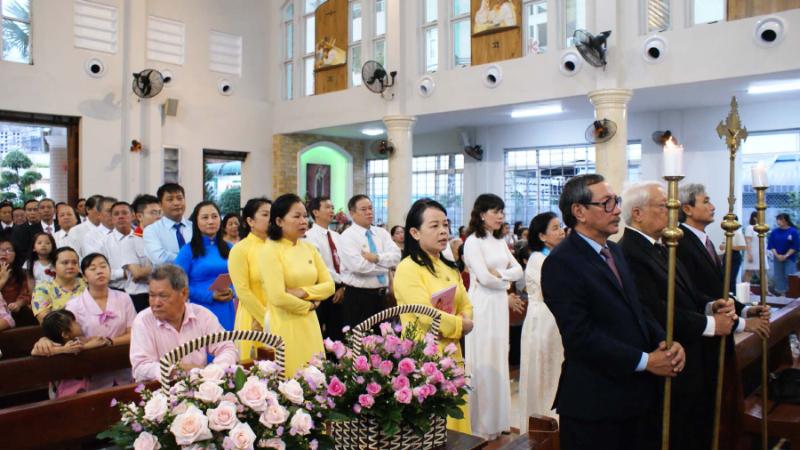 Giáo xứ Tân Việt: Mừng lễ Thánh Têrêsa - Bổn Mạng Giáo xứ