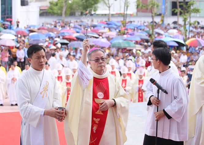 Giáo phận Hải Phòng : Nghi thức làm phép Trung tâm Mục vụ và Lễ Đức Mẹ Mân Côi, bế mạc Đại hội XIV Hội đồng Giám mục Việt Nam