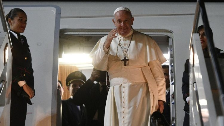 Video: Đức Thánh Cha lên đường sang Bangkok – Kỷ niệm 35 năm Đức Gioan Phaolô II thăm Thái Lan