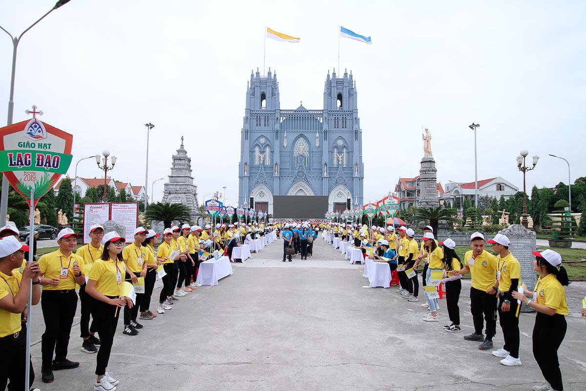Gần 20.000 bạn trẻ về với đại hội giới trẻ giáo tỉnh Hà Nội