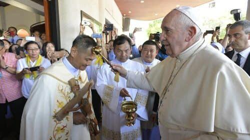 Trực tiếp - Đức Thánh Cha gặp gỡ các linh mục, tu sĩ, chủng sinh và giáo lý viên tại Bangkok, Thái Lan, ngày 22.11.2019