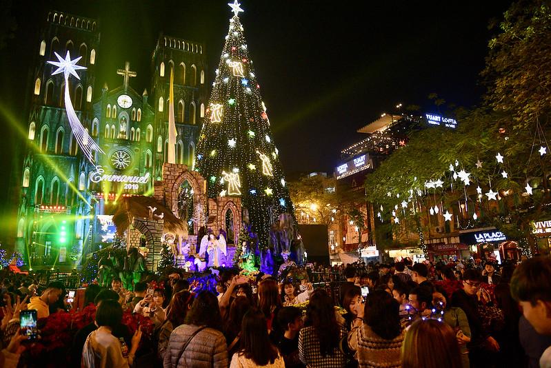 Đại Lễ Giáng Sinh tại TGP Hà Nội, Huế, Sài Gòn