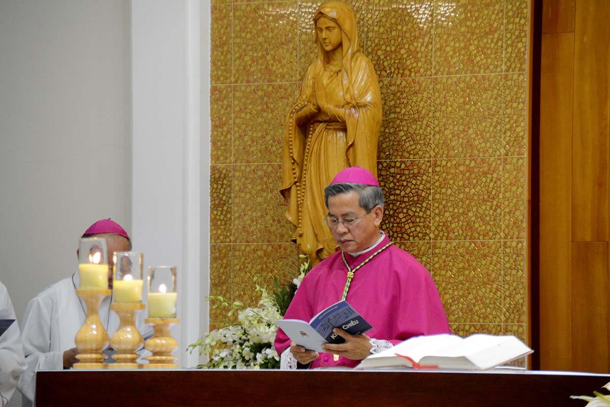 Đức Tổng Giám mục Giuse Nguyễn Năng tuyên xưng đức tin