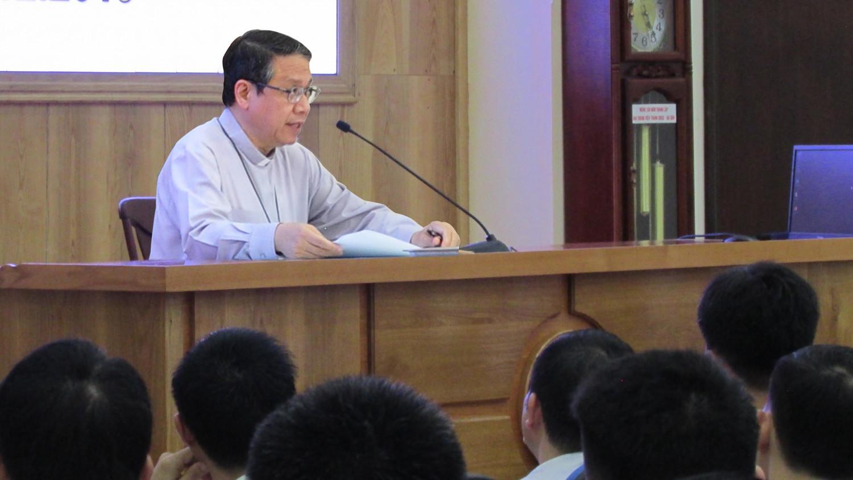 Đại chủng viện Thánh Giuse Sài Gòn: Giám mục Giáo phận Phan Thiết viếng thăm và huấn đức